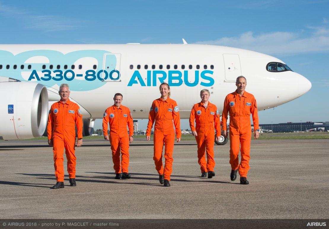 A330-800-Airbus-MSN1888-flight-test-crew-002
